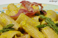 Whole wheat pasta alla carbonara with asparagus- recipes with olive oil