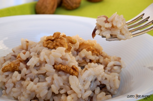 Risotto with red chicory provolone cheese and walnuts