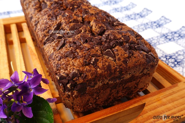 chocolate chip banana bread - recipes with olive oil - gusto per amore